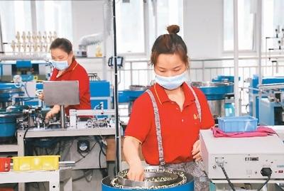 工业经济内生动力增强上半年全国规模以上工业增加值同比增长15.9%