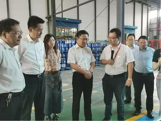 新沂市市长李胜一行参观徐州东方雨虹